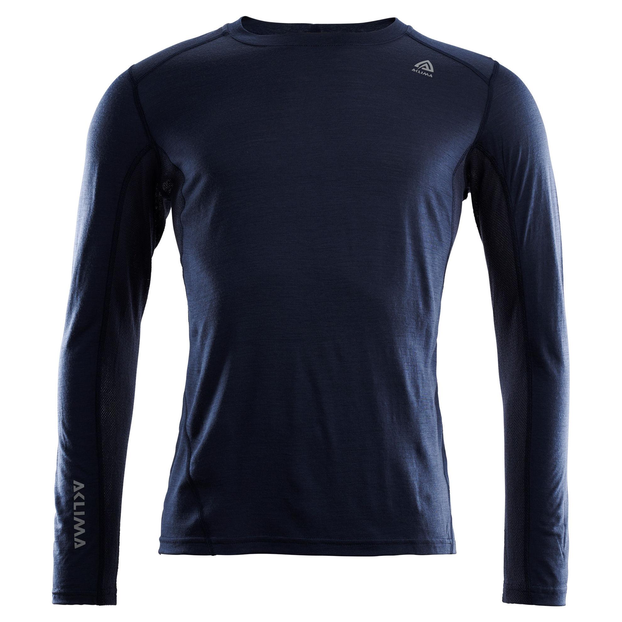 Fr�n Norska Aclima kommer LightWool Sports Shirt  i finaste Merinoull. F�rgen heter Navy Blazer och finns i storlek: XS-2XL. Passar b�st till Herr