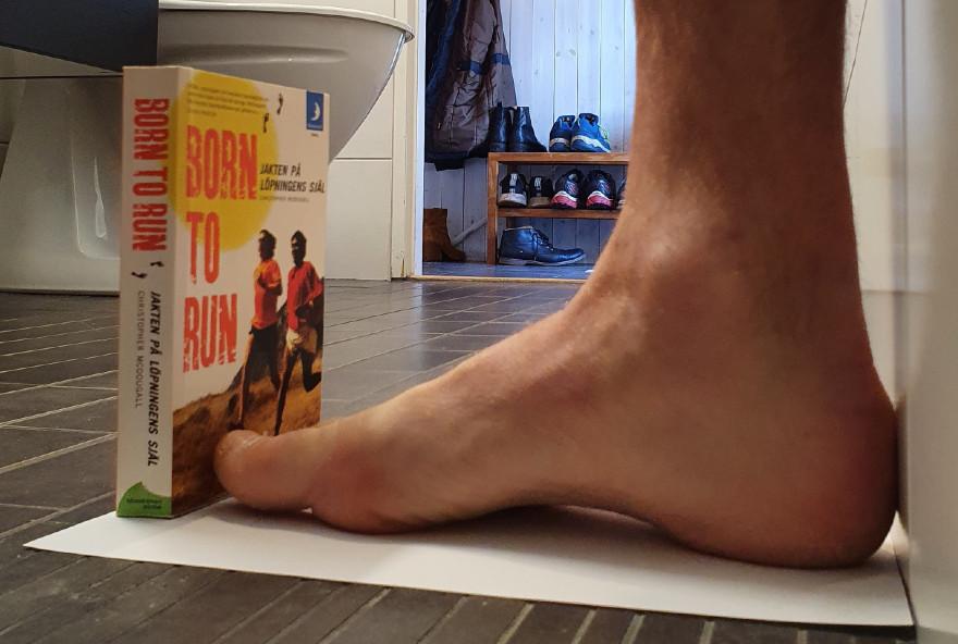 Mät din fot för att hitta rätt storlek på dina löparskor